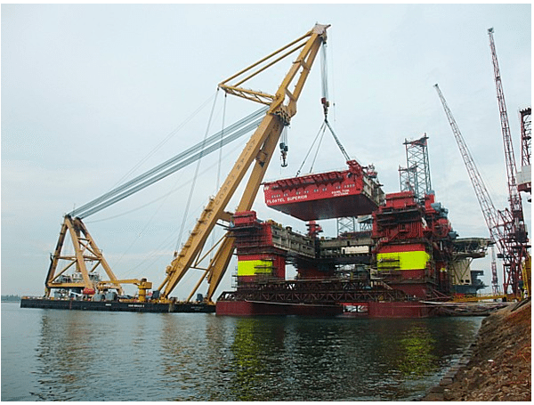 floating crane keppel fels floatel superior