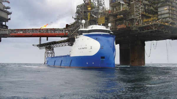 'Blue Fighter' at work on the Beryl field in the North Sea. (Photo: Crew on 'Esvagt Observer')