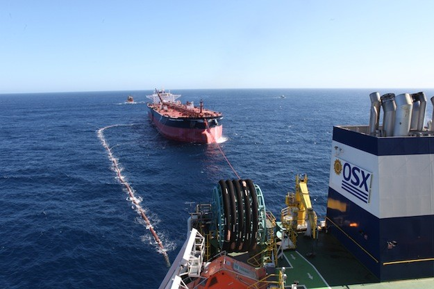 On 28th March in the Campos Basin, OGX finished its first offloading of Waimea crude oil from the OSX's FPSO OSX-1, totalling approximately 600 thousand barrels for Shell. Image: OGX