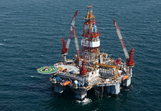 Ocean Monarch, a 5th Generation semisubmersible drilling rig, Image courtesy Diamond Offshore