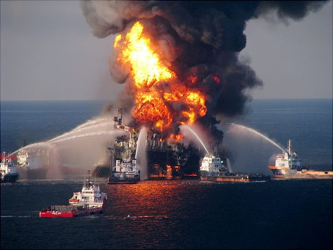alg_oil_rig_explosion