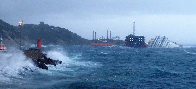 Costa concordia wreck stormy weather
