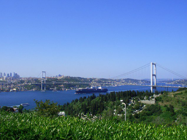 This is NOT how the Bosphorus Bridge is looking right about now. Image (c) Shutterstock/lisovsergey
