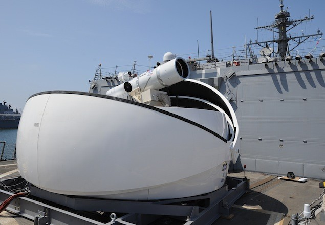 The Laser Weapon System (LaWS) temporarily installed aboard the guided-missile destroyer USS Dewey (DDG 105) in San Diego, California. Photo: U.S. Navy