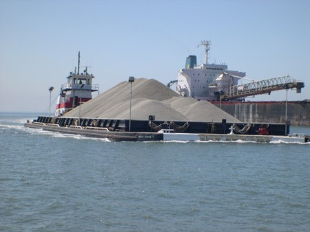 A U.S.-flagged inland barge. Photo: AMP