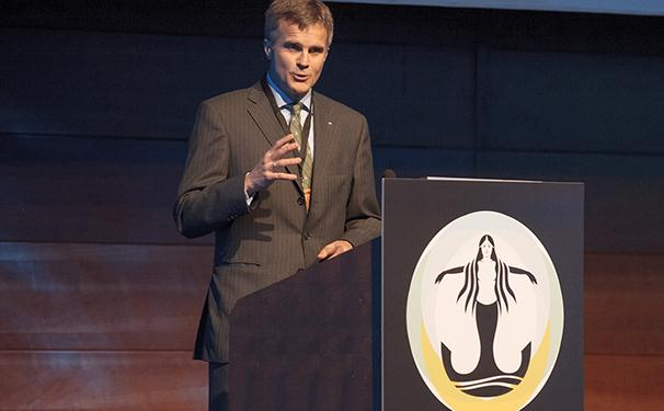 Statoil CEO Helge Lund speaking during the 2013 Offshore Agenda conference at Nor-Shipping. Photo: Nor-Shipping