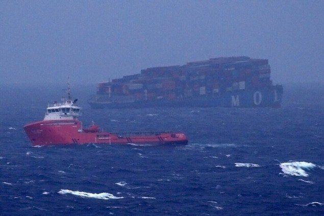 ジャップのコンテナ船が就航わずか5年で沈没 世界よ、これが造船王国日本だ