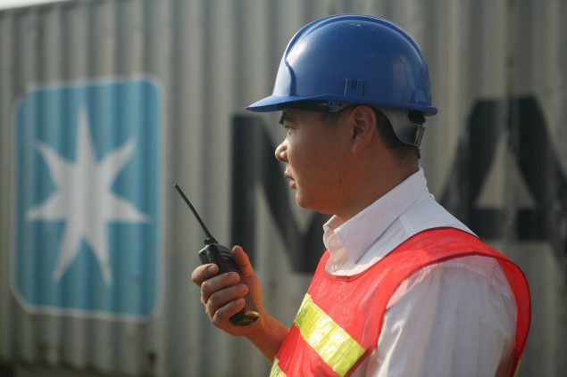 A Maersk employee in Shenzhen (photo: Maersk)